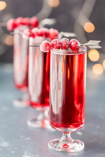 sugared_cranberry_ginger_mimosa