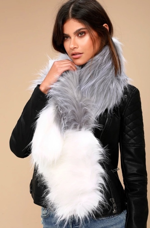 lulus_faux_fur_scarf