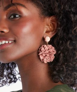 10 Accessories You Need This Spring!